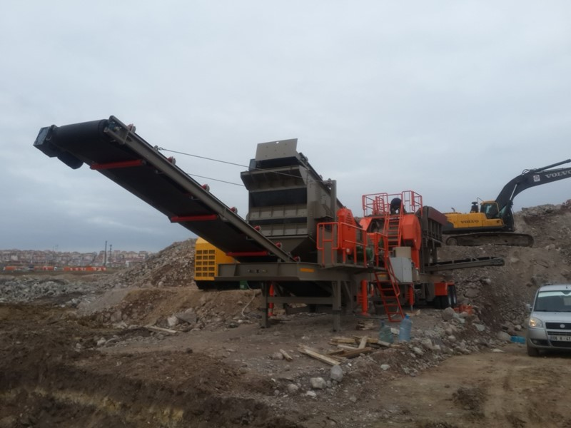 CONSTMACH - Mobile Jaw + Cone Crusher – READY TO DELIVERY