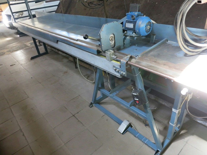 The latest machine from Sawing Machine