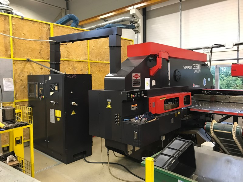 Amada Punching Machine - Vipros Queen 358