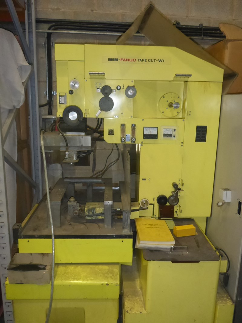 FANUC  - TAPE CUT SERIES W1