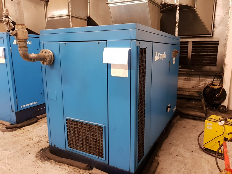 COMPARE - L120 SR Rotary screw air compressor