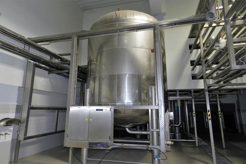 Buffer Tank for Non-Filtered Beer - Steinecker 243 hl