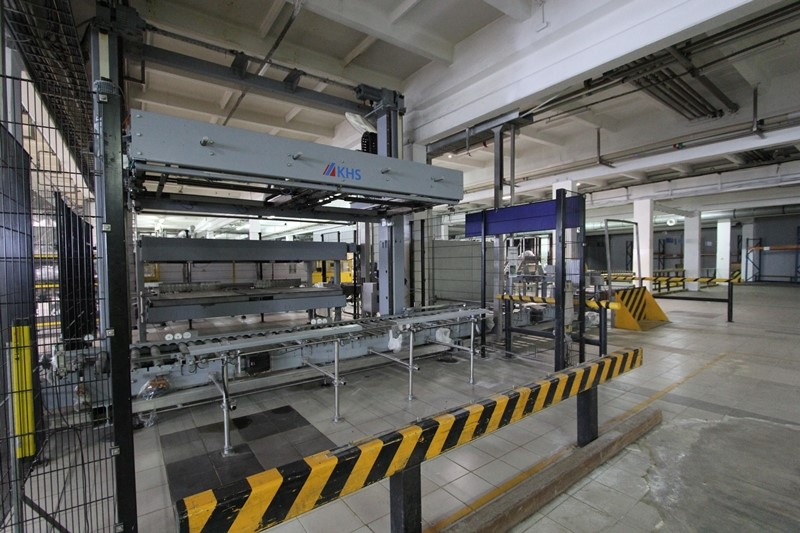 KHS Innopal PB 2 palletizing line - 450 p/h with Pallet Wrapper