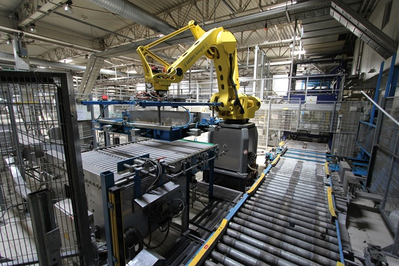 Palletizing Line with Robot - Krones and Fanuc, 50.000 bph