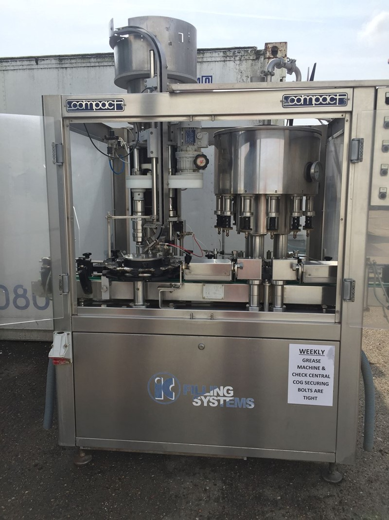 Hot Filler-Capper Borelli - PET 3 000 bph