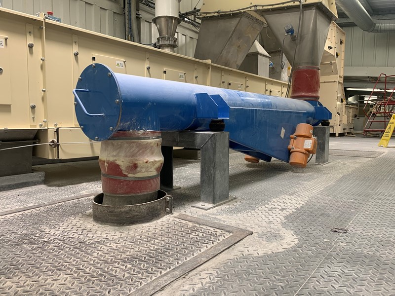 APPLIED VIBRATION LTD - AV11757 Vibratory Feeder