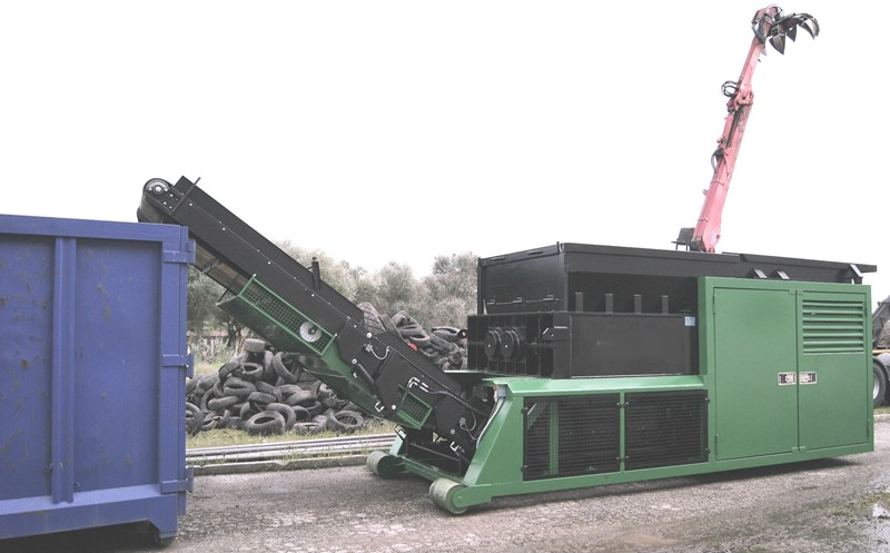 MADE IN ITALY - TRANSPORTABLE SHREDDER – multi purpose crushing unit 330 Hp