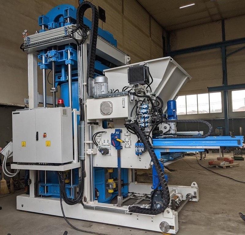 SUMAB - E-12L Concrete machine for making pipes + rings